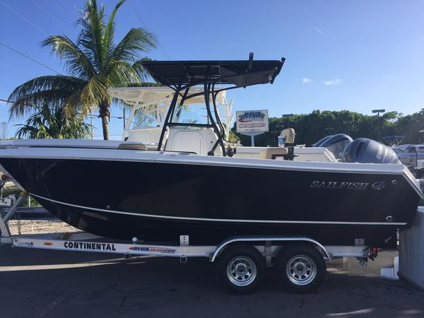 New Sailfish 220CC Center Console Fishing Boat For Sale