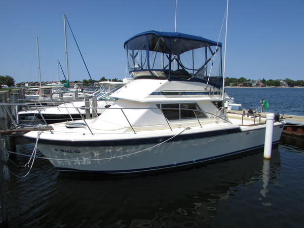 Used Chris Craft 315 Commander Freshwater Fishing Boat For Sale