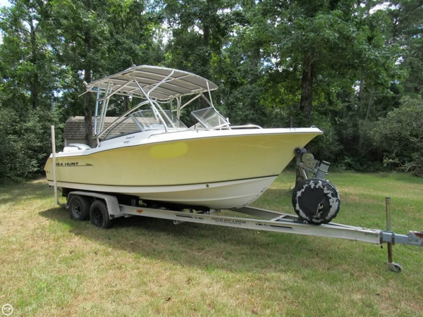 Used Sea Hunt Escape 220 Runabout Boat For Sale