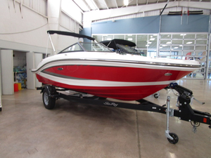 New Sea Ray 19 SPX Bowrider Boat For Sale