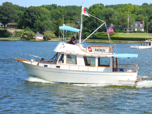 Used Marine Trader Sedan Bridge Trawler Boat For Sale