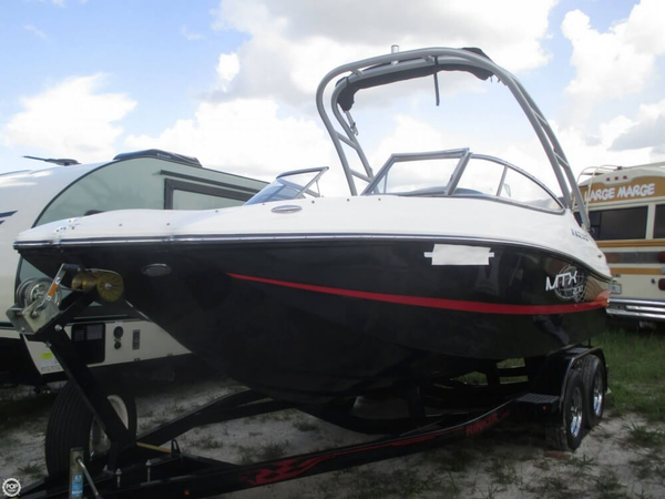 Used Rinker MTX 200 Captiva Bowrider Boat For Sale