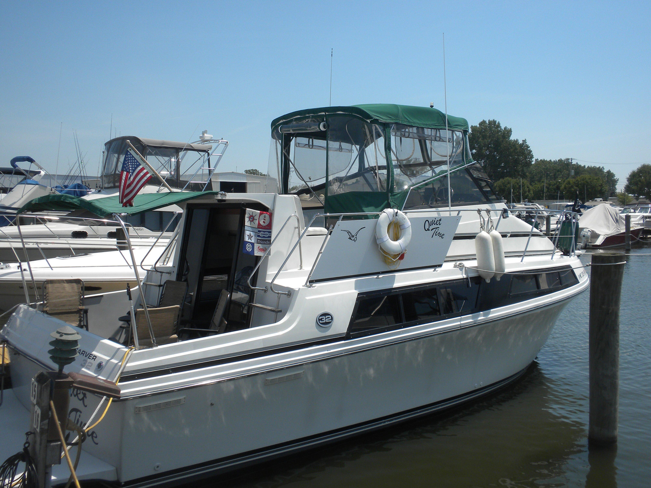 1989 Used Carver 32 Mariner Flybridge Boat For Sale ...
