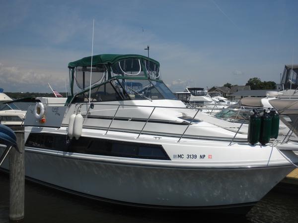 Used Carver 32 Mariner Flybridge Boat For Sale