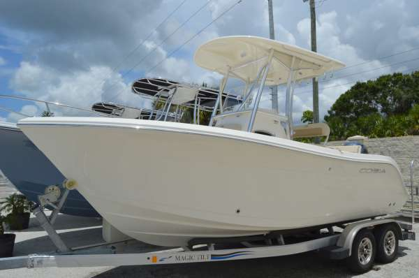 New Cobia Boats 201 CC Center Console Fishing Boat For Sale