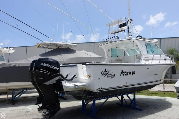 Used Baha Cruisers 300 GLE Sports Fishing Boat For Sale
