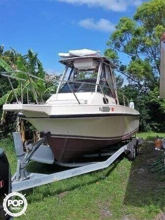 Used Stamas 24 Tarpon Walkaround Fishing Boat For Sale