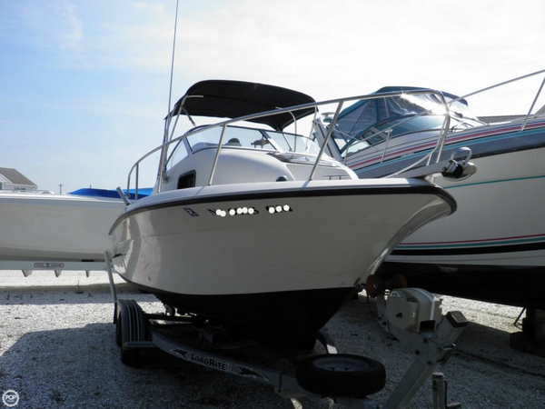 Used Hydra-Sports 212 Seahorse Walkaround Fishing Boat For Sale