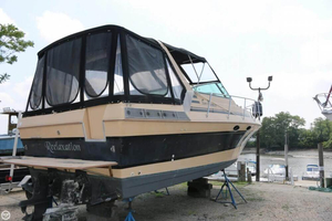 Used Sun Runner 310 Classic Express Cruiser Boat For Sale