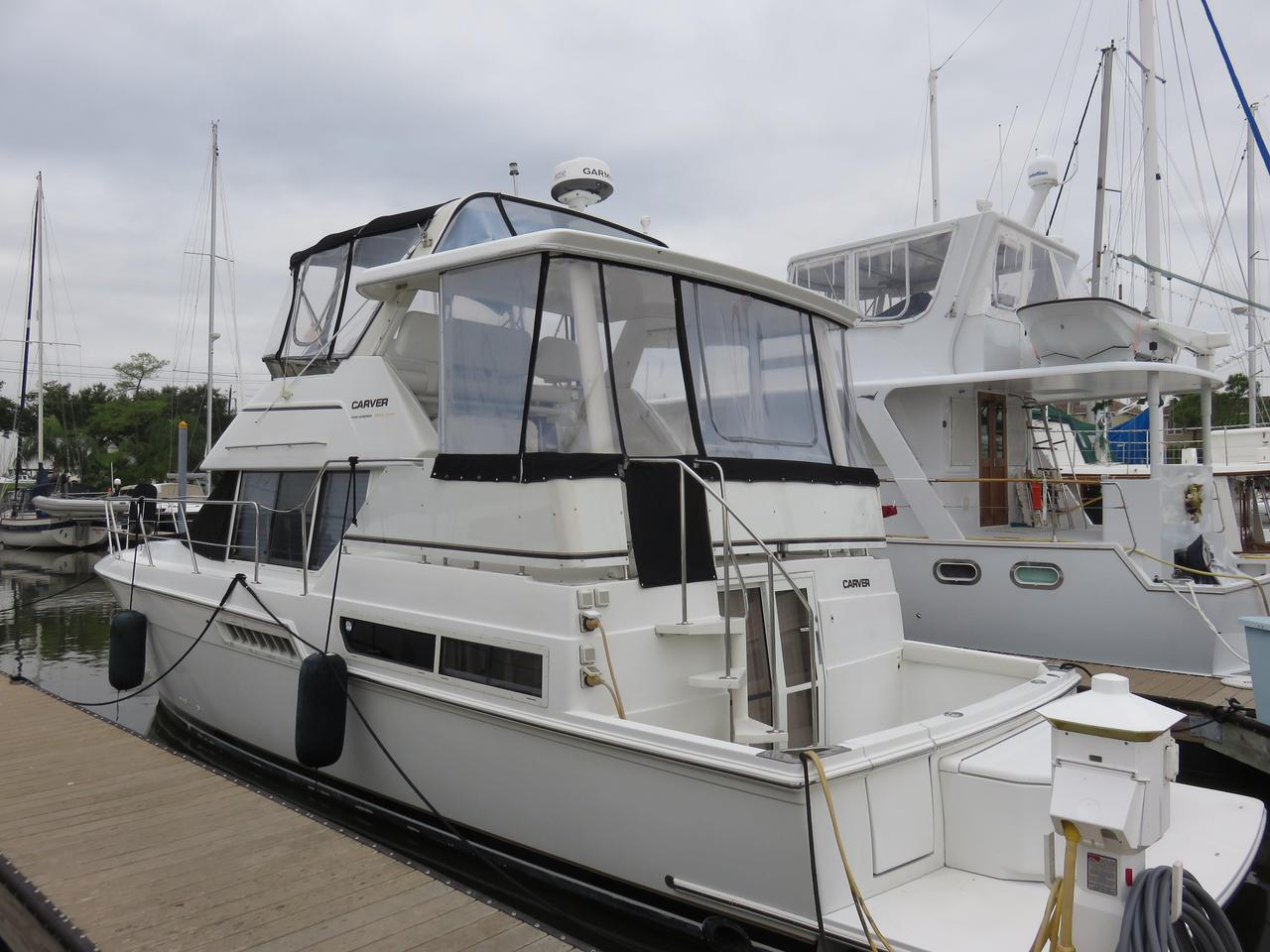 1997 used carver 400 cockpit motor yacht motor yacht for for Used motor yacht for sale