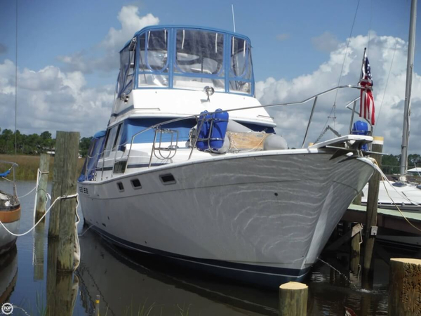 Used Bayliner 3870 DCMY Cruiser Boat For Sale
