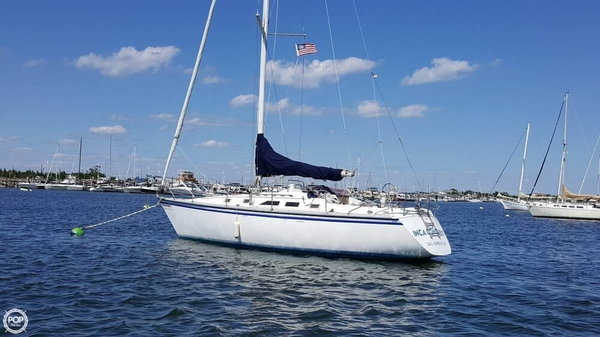 Used Hunter H34 Racer and Cruiser Sailboat For Sale