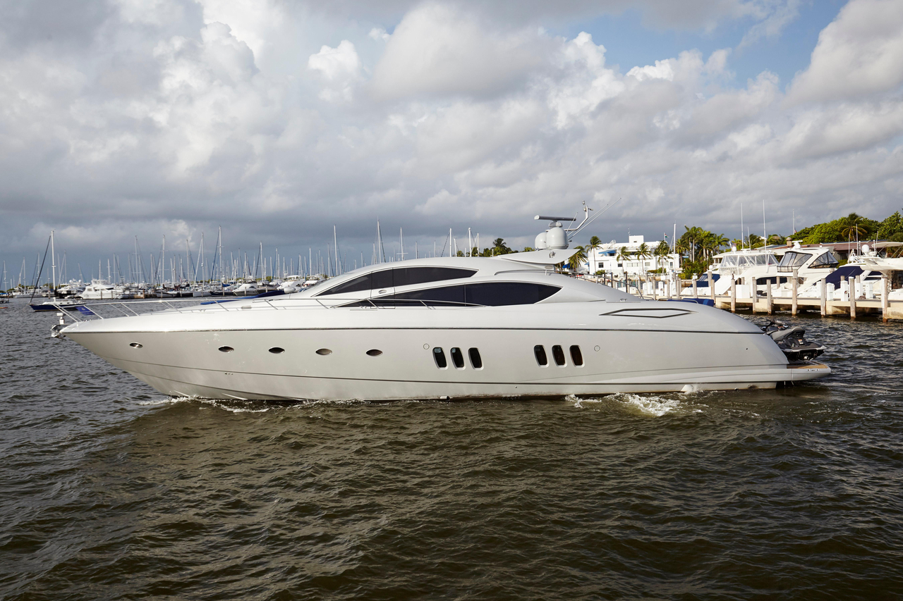 2006 used sunseeker motor yacht for sale 1 149 000 for Used motor yachts for sale in florida