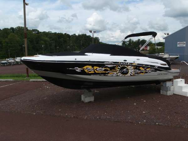 New Monterey M3 Deck Boat For Sale