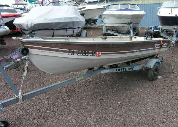 Used Crestliner 12 V Open Fish Freshwater Fishing Boat For Sale
