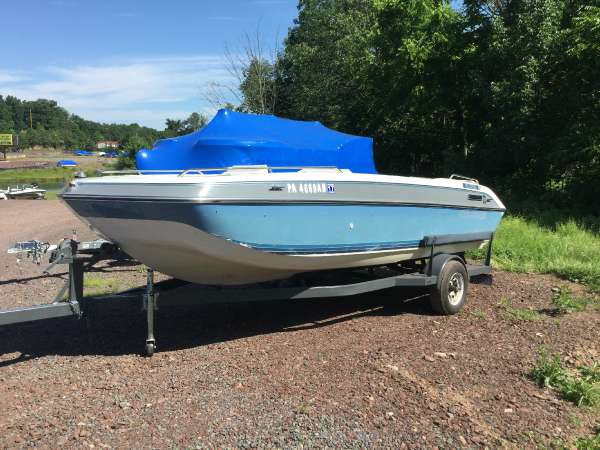 Used Four Winns 180 Canida Deck Boat For Sale