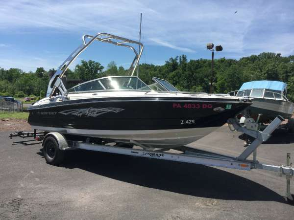 Used Monterey 204FS Bowrider Boat For Sale