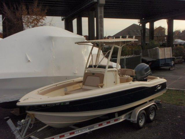 Used Scout Boats 210 XSF Center Console Fishing Boat For Sale