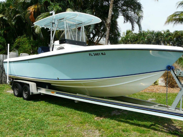Used Bluewater 2550 Center Console Center Console Fishing Boat For Sale