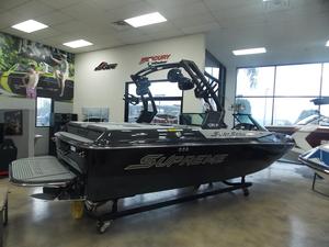 New Supreme S211 Ski and Wakeboard Boat For Sale