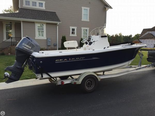 Used Sea Hunt 202 Triton Center Console Center Console Fishing Boat For Sale