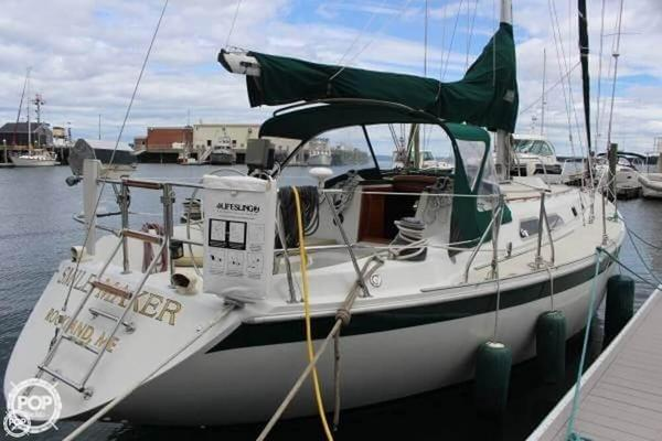 Used Ericson Yachts 38-200 Sloop Sailboat For Sale