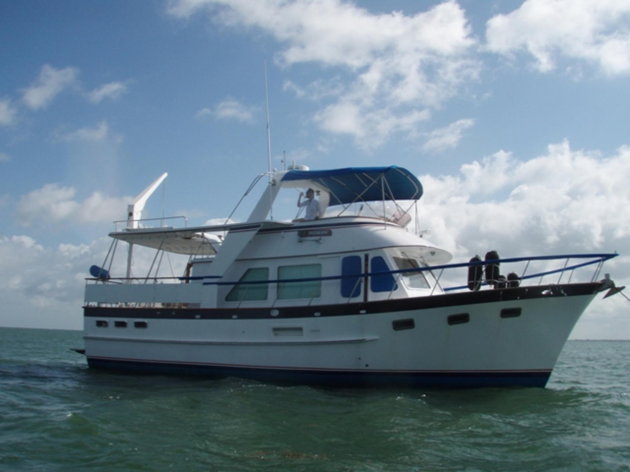 1987 Used Defever Offshore Cruiser Motor Yacht For Sale
