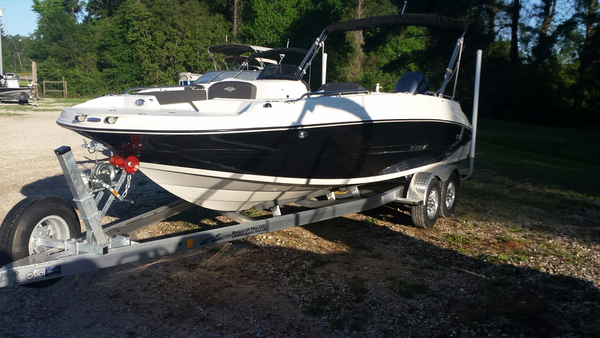 New Stingray 212SC (OB) Deck Boat For Sale