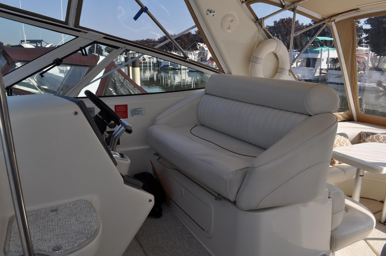 2000 Used Cruisers 3870 Express Motor Yacht For Sale