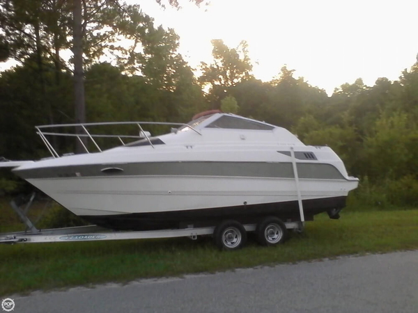 Used Maxum 2300 SCR Express Cruiser Boat For Sale
