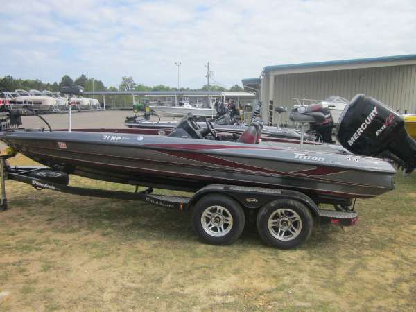2012 used triton boats 21hp bass boat for sale dothan for Bass fishing boats for sale