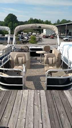 New Suncatcher V18 F Pontoon Boat For Sale