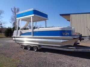 New Avalon Windjammer Funship - 25' Pontoon Boat For Sale