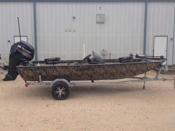 2016 used lowe boats stinger 175 poly camo aluminum for Used aluminum fishing boats