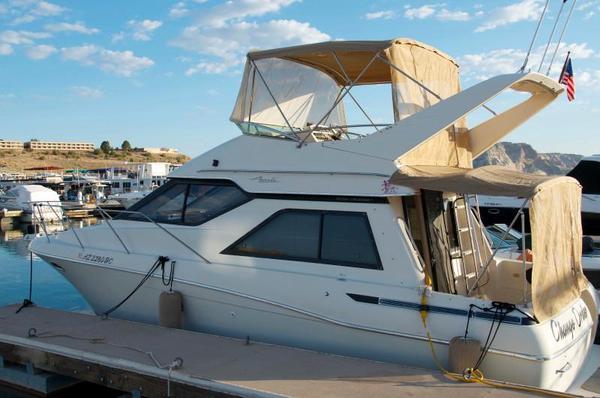 Used Avanti 3258 Cruiser Boat For Sale