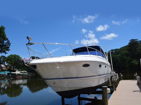 Used Chaparral Signature 320 Cruiser Boat For Sale