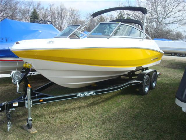 New Regal 2000 ES Bowrider Boat For Sale