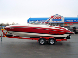 Used Bryant 233BR Runabout Boat For Sale
