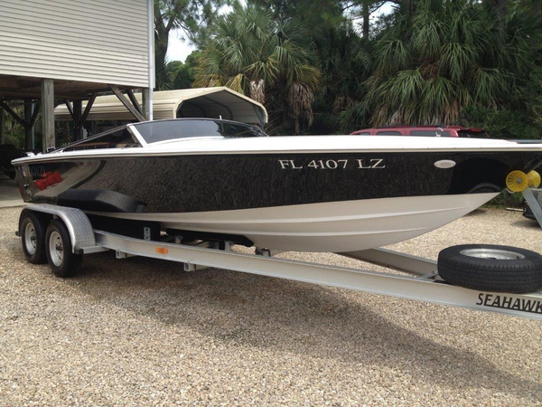 Used Donzi Classic Ski and Wakeboard Boat For Sale