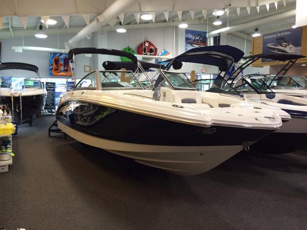 New Chaparral 244 Sunesta Deck Boat For Sale