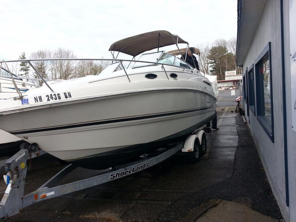 Used Chaparral 240 SIGNATURE Cruiser Boat For Sale