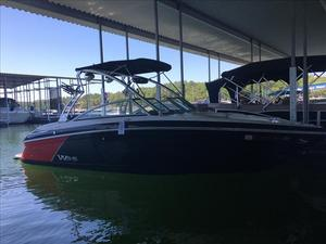 Used Cobalt Boats 242WSS Ski and Wakeboard Boat For Sale