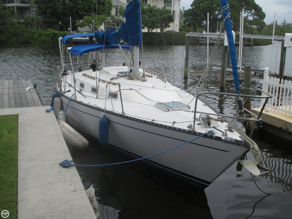 Used Tartan 34-2 Racer and Cruiser Sailboat For Sale