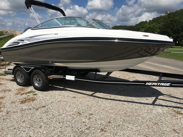 New Rinker QX 196 OB Bowrider Boat For Sale