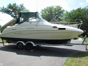 Used Rinker 266 Fiesta Vee Express Cruiser Boat For Sale
