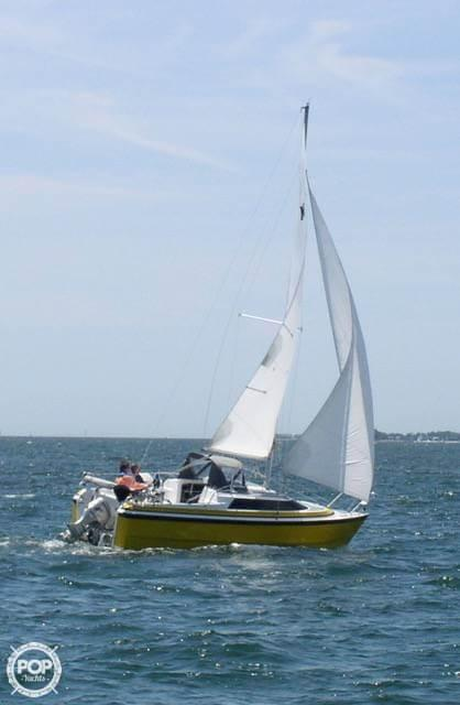 Used Macgregor 26X Racer and Cruiser Sailboat For Sale