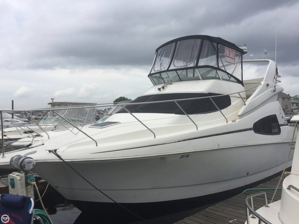 Used Silverton 330 Sportbridge Aft Cabin Boat For Sale