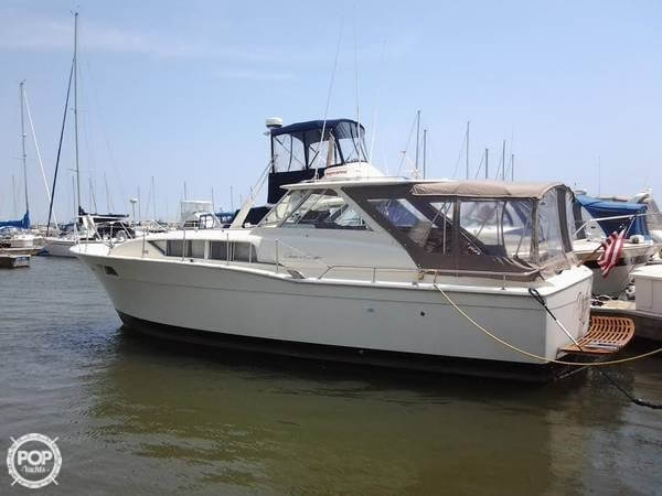 Used Chris-Craft 35 Commander Express Cruiser Boat For Sale