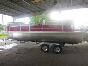 New Suncatcher V 22 RC Pontoon Boat For Sale