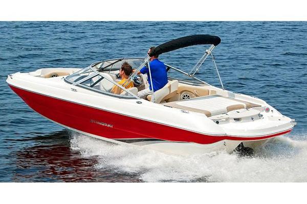 New Stingray 208 LR Bowrider Boat For Sale